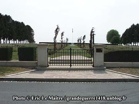 Grille d'entrée de la Nécropole de Cerny-en-Laonnois
