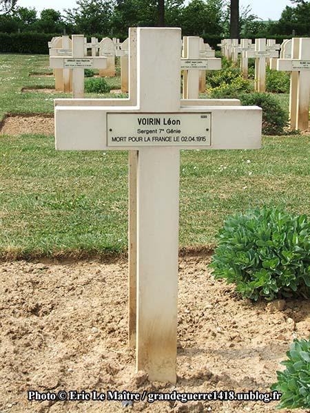 Tombe de Léon Voirin