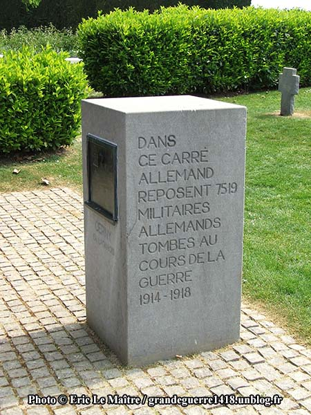 Carré allemand - Tombes de 7519 soldats allemands