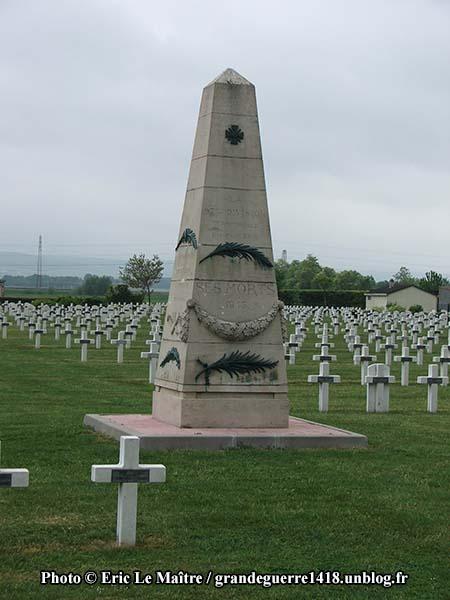 Nécropole Nationale de Sillery - Obélisque à la mémoire de la 97e division territoriale