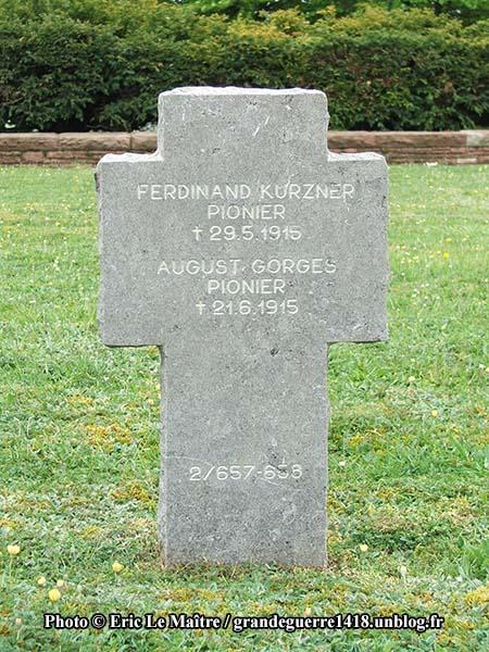 Sépulture de deux soldats allemands