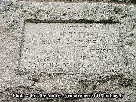 PC apposée sur la grande croix au centre de La Nécropole Nationale de Souain 28e Brigade