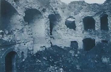 La cour de la caserne après l'offensive de 1917