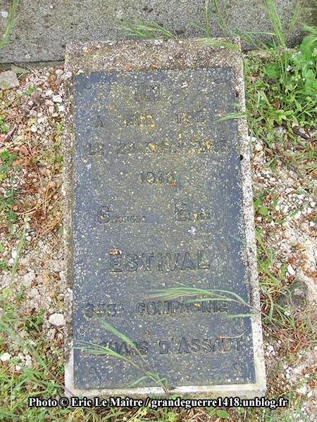 Détails de la plaque de la tombe de Georges Émile Estival