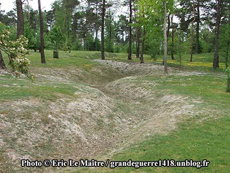 Les vestiges de tranchées du site du Blanc Mont
