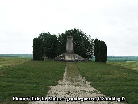Monument aux morts des 170e et 174e RI - Photo 1