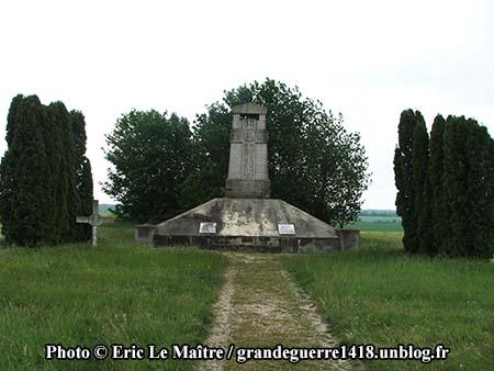 Monument aux morts des 170e et 174e RI - Photo 2