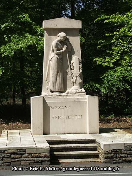 monument 1914