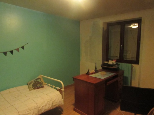 Chambre gar on bleu turquoise taupe for Chambre trop seche