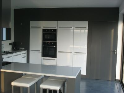 Emejing placard mur cuisines pictures for Plan cuisine ouverte 9m2