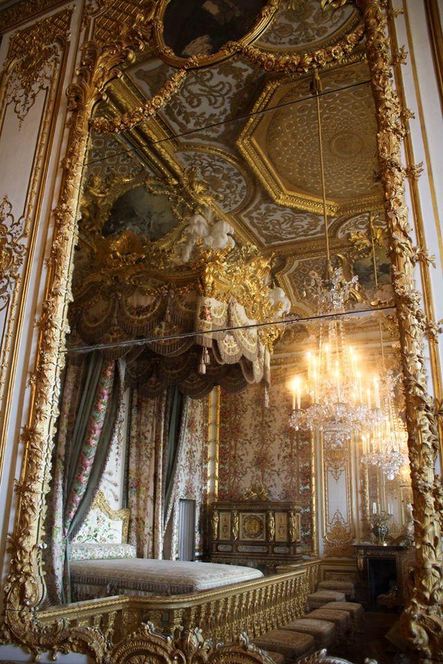 La chambre de la reine versailles page 2 for Chambre de la reine versailles