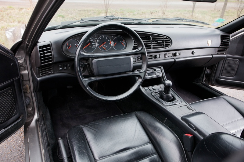 Vente porsche 944 turbo 220 cv 1987 for Porsche 944 interieur