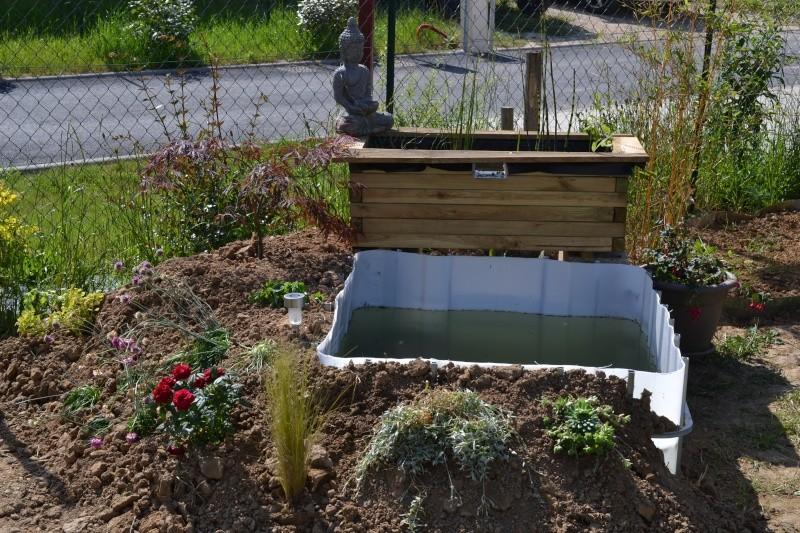 bassin de jardin hors sol. Black Bedroom Furniture Sets. Home Design Ideas