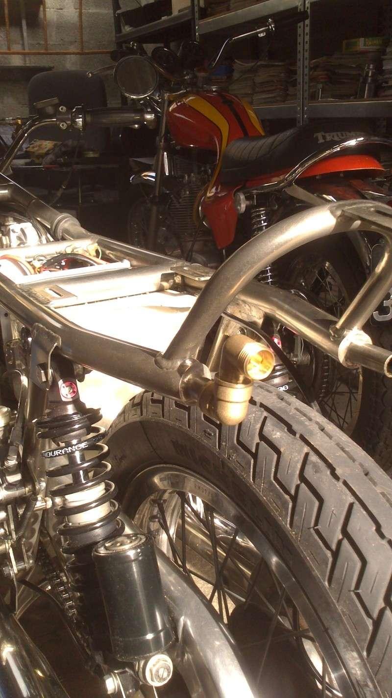 forum moto m canique moto sujet forum moto parlons reniflard. Black Bedroom Furniture Sets. Home Design Ideas
