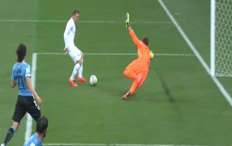 اهداف مباراة أوروجواي وانجلترا [2014/6/19 1-110.jpg