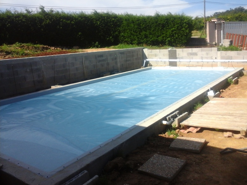 Autoconstruction 9x4 bloc bancher piscines r alisations for Autoconstruction piscine beton