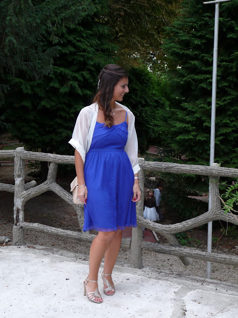 Chaussures avec robe bleu roi