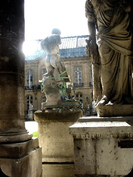 Les Beaux-Arts de Paris (Entrée quai Malaquais) dans Le jardin des souvenirs 08410