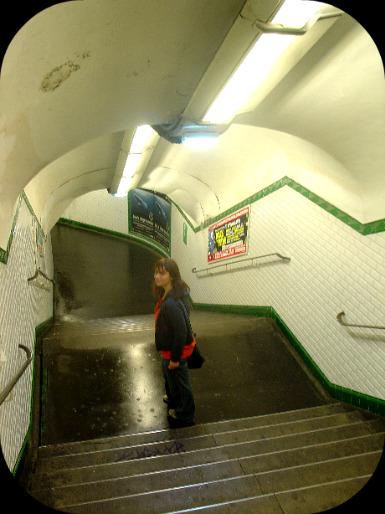 Le métro, incontournable !  dans Le jardin des souvenirs 15910
