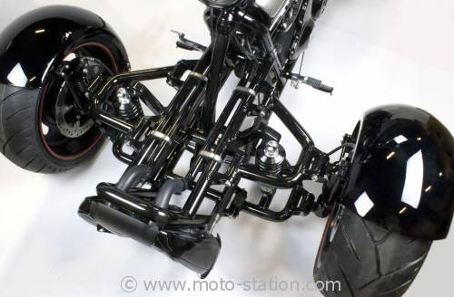 le trike scorpion sur base de harley davidson v rod. Black Bedroom Furniture Sets. Home Design Ideas