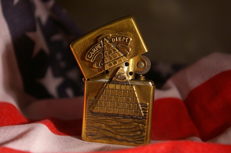 Zippo franc macon for Chiffre 13 illuminati