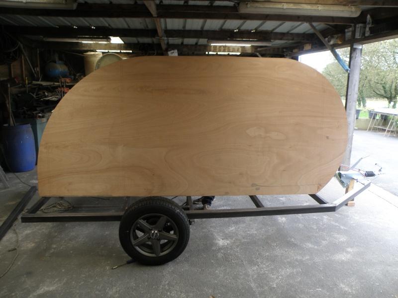 deux mini caravane. Black Bedroom Furniture Sets. Home Design Ideas