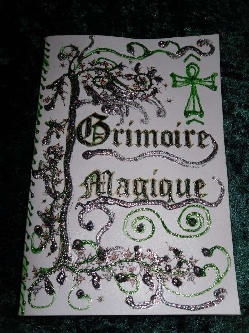 grimoire livre des ombres fait main esoterisme magie couverture blanche ebay. Black Bedroom Furniture Sets. Home Design Ideas