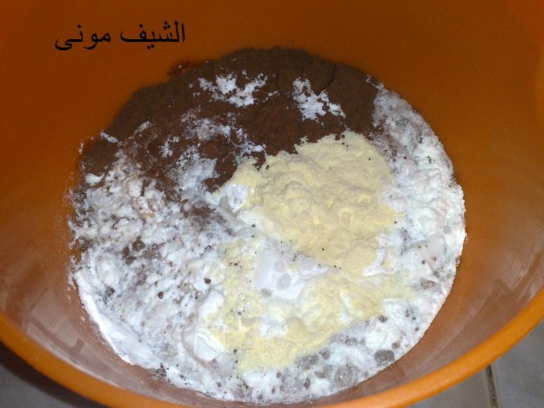 سكر بودرة (ةممكن بدل الحليب البودرة والماء مثلج حليب طبيعى)