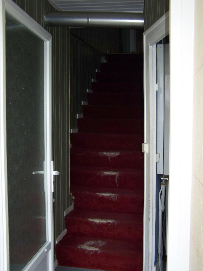 Cage d 39 escalier for Peut on mettre du lino sur de la moquette