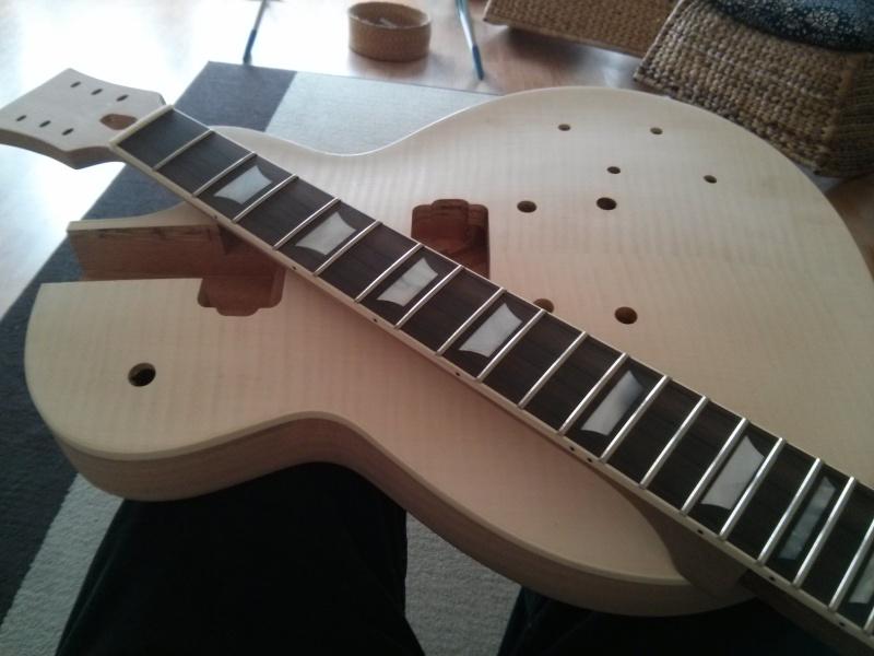 1er montage et finish d 39 un les paul de bulldog guitar kit lutherie amateur. Black Bedroom Furniture Sets. Home Design Ideas
