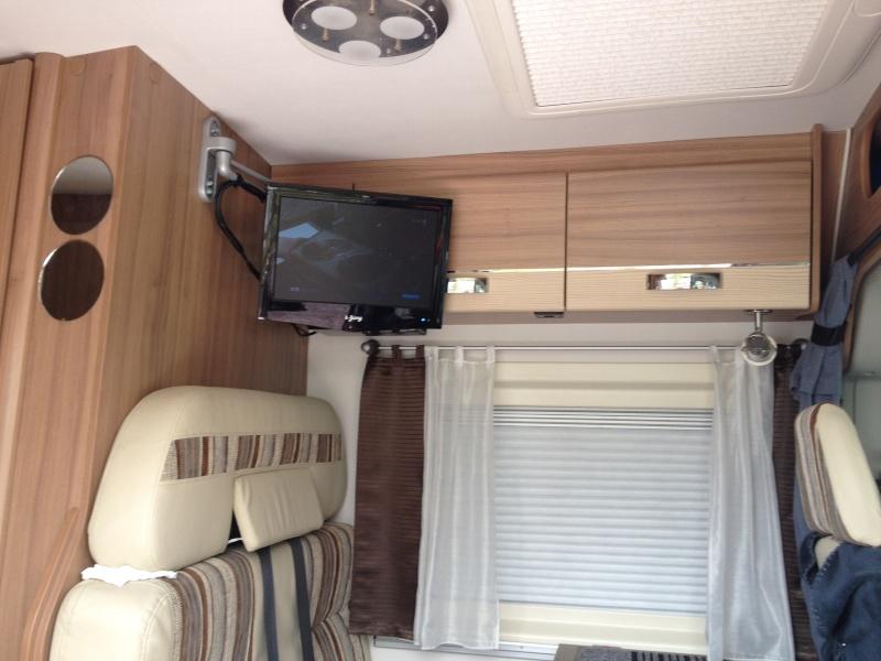 installation tv et antenne. Black Bedroom Furniture Sets. Home Design Ideas