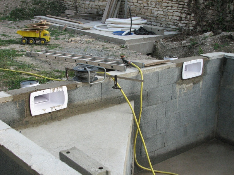 Autoconstruction d 39 une piscine for Prix piscine maconnee