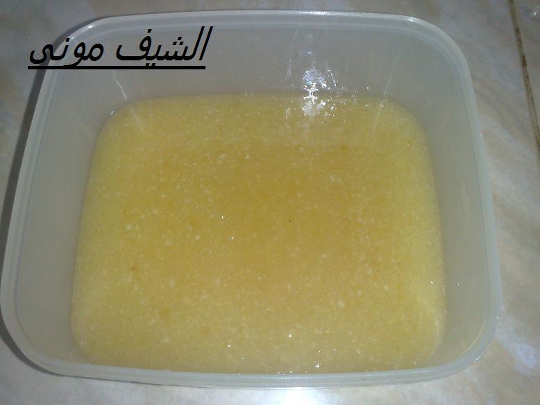 الكريمة السائلة وهي كريمة خاصة بالحلويات وتكون مصنوعة من الحليب