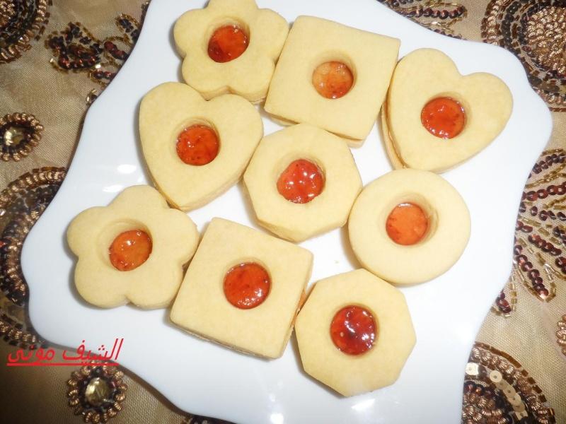 بيها وهنفرد العجينة بالنشابة على دقيق او بين ورقتين خبز