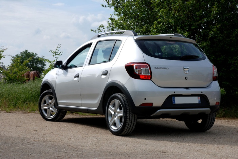 vends dacia sandero tce 90 ch stepway prestige. Black Bedroom Furniture Sets. Home Design Ideas