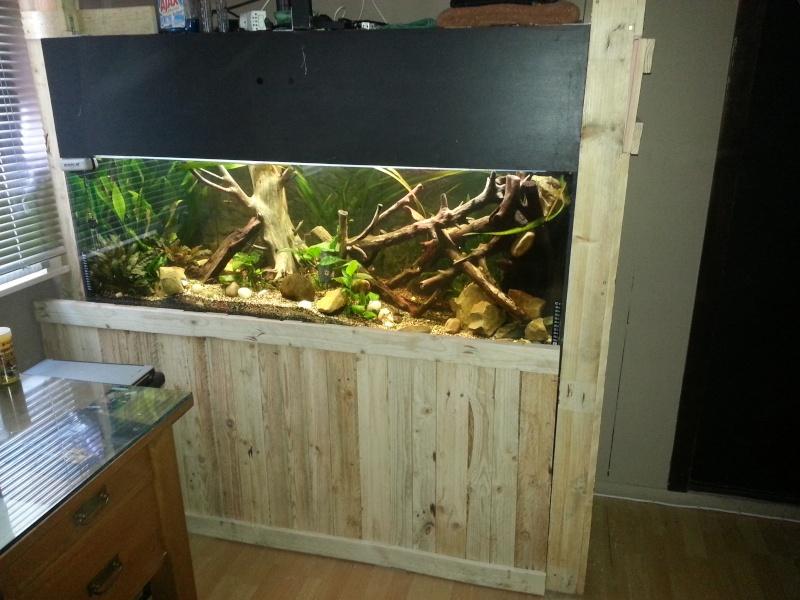 meuble fait maison pour aquarium segu maison. Black Bedroom Furniture Sets. Home Design Ideas