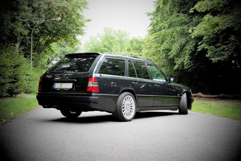 Mercedes Benz 300e Wagon Bbs Rs further 397100 18 Amg Wheels Sale likewise Watch likewise One Of 12 Incredible 1992 Amg Hammer Coupe 6 0 in addition Je Veux Ca    100400p39. on mercedes benz w124 sportline