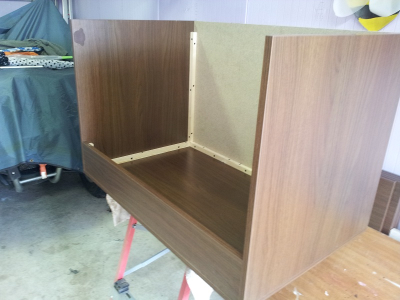 fabrication du terrarium de pongo mon pogona. Black Bedroom Furniture Sets. Home Design Ideas