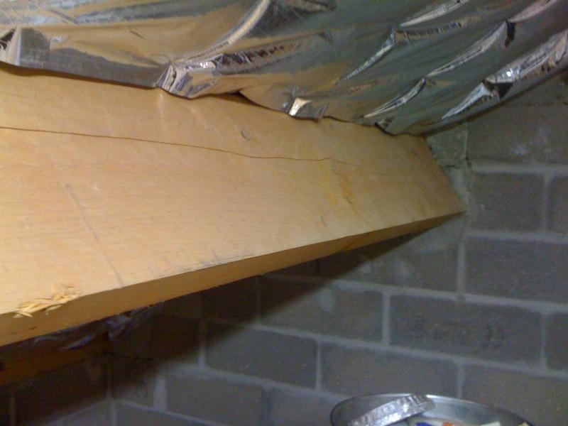 Pan sous toit madriers horizontaux for Comment renforcer une charpente