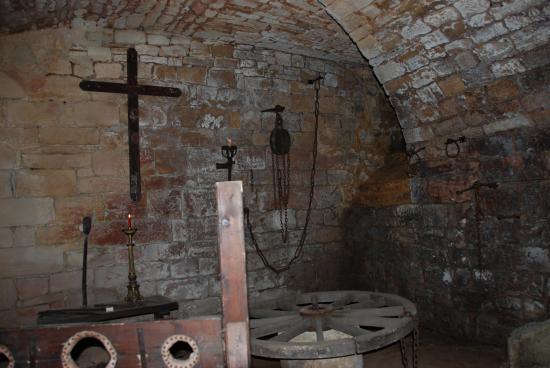 En pause 3d 3ds max projet personnel salle de torture for Chambre de torture 3