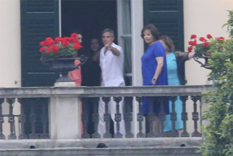 25 june 2014 george clooney and amal in laglio with her
