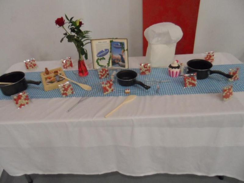avais également une table merlin lenchanteur sur laquelle etait l ...