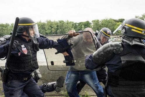 Baccalauréat FAIL : les cheminots en grève réprimés