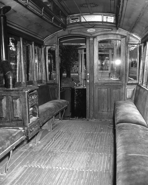 Interieur d 39 un tram 1900 for Interieur 1900