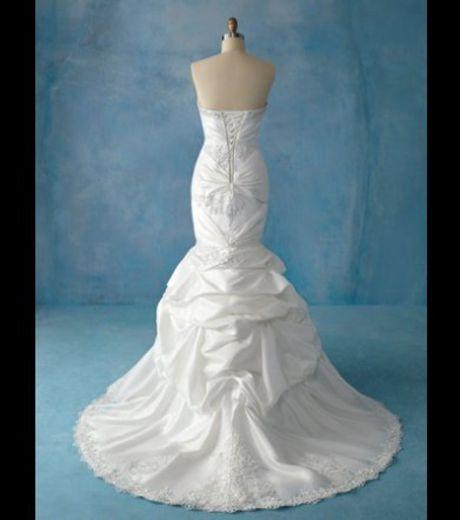Notre mariage disney desirange page 5 for Collection de robe de mariage disney