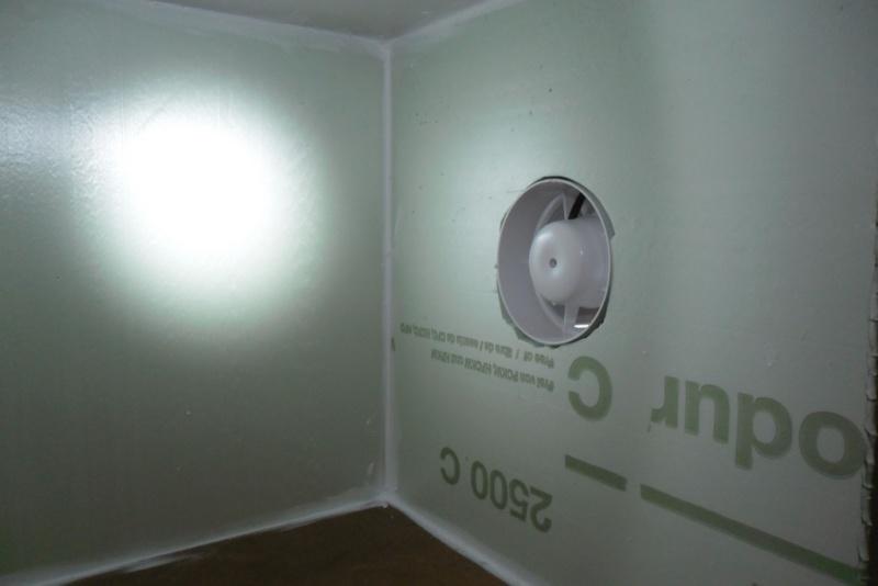 rangements et cabine de peinture page 2. Black Bedroom Furniture Sets. Home Design Ideas
