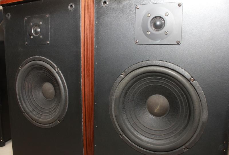 advent legacy iii floorstanding speakers used sold. Black Bedroom Furniture Sets. Home Design Ideas