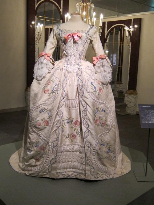 peut on essayer une robe de marie Marie claire idées graine de coton est un dépôt-vente qui permet de louer une robe de mariée neuve ou d'occasion que l'on peut essayer sur rendez-vous.