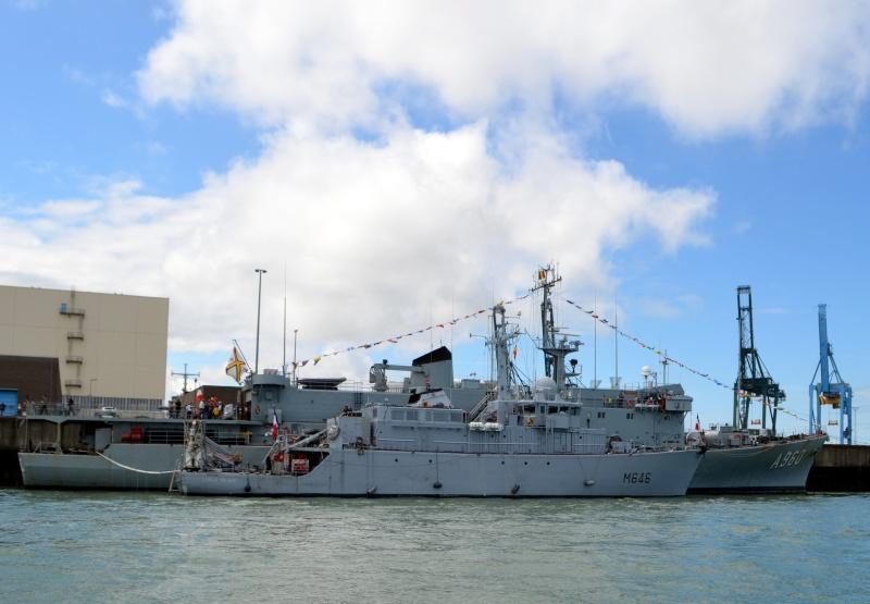 navy_157.jpg