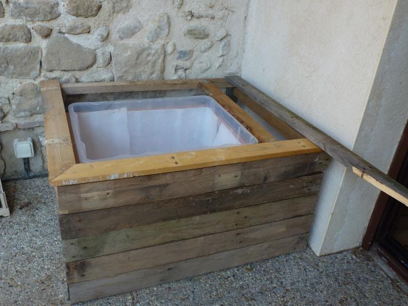 Petit bassin pour terrasse for Grand bac a poisson